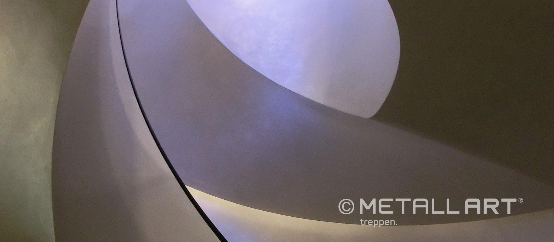Gewendelte Treppe breit