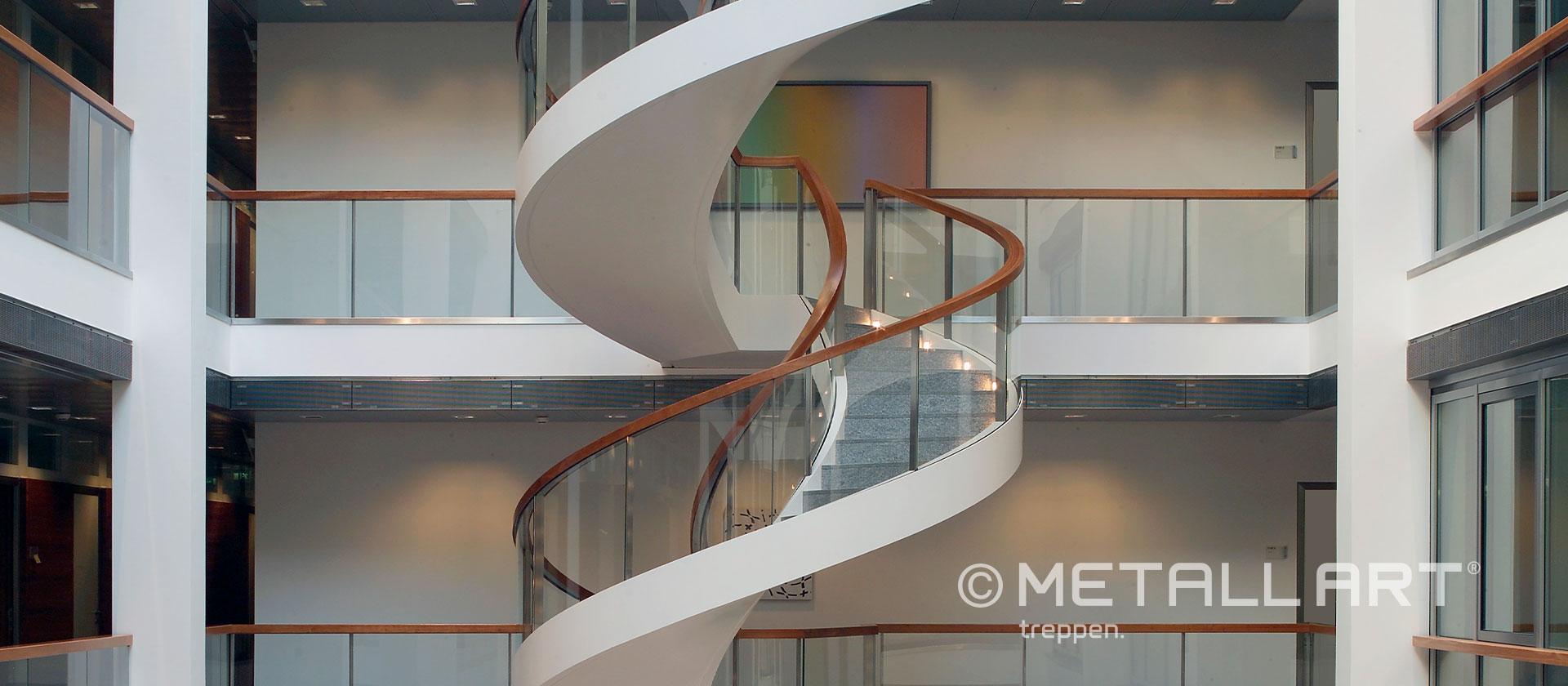 Treppe über mehrere Etagen