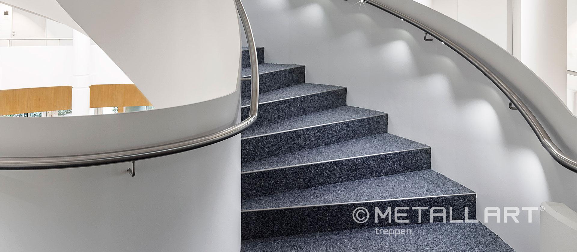 Beleuchteter Handlauf Treppe Beton