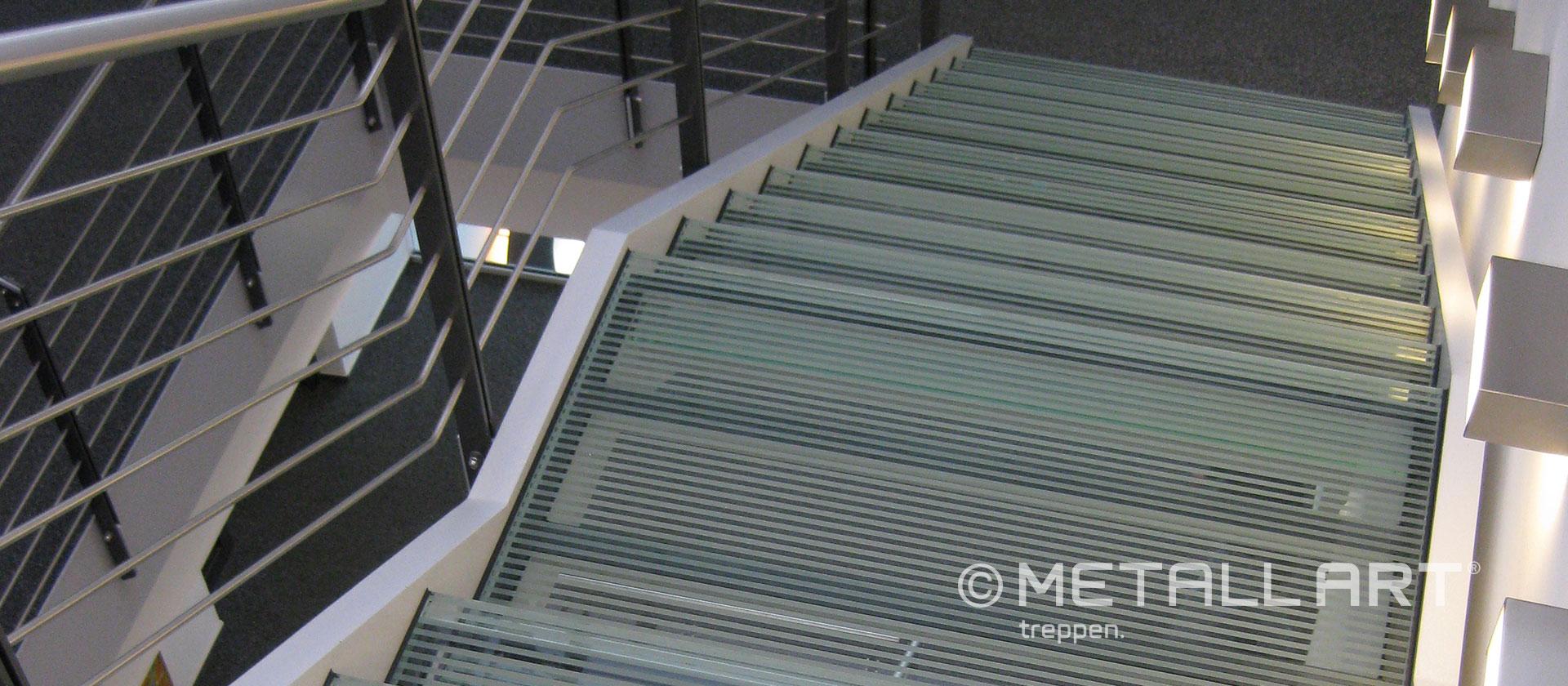 Glastreppe modern Edelstahlhandlauf