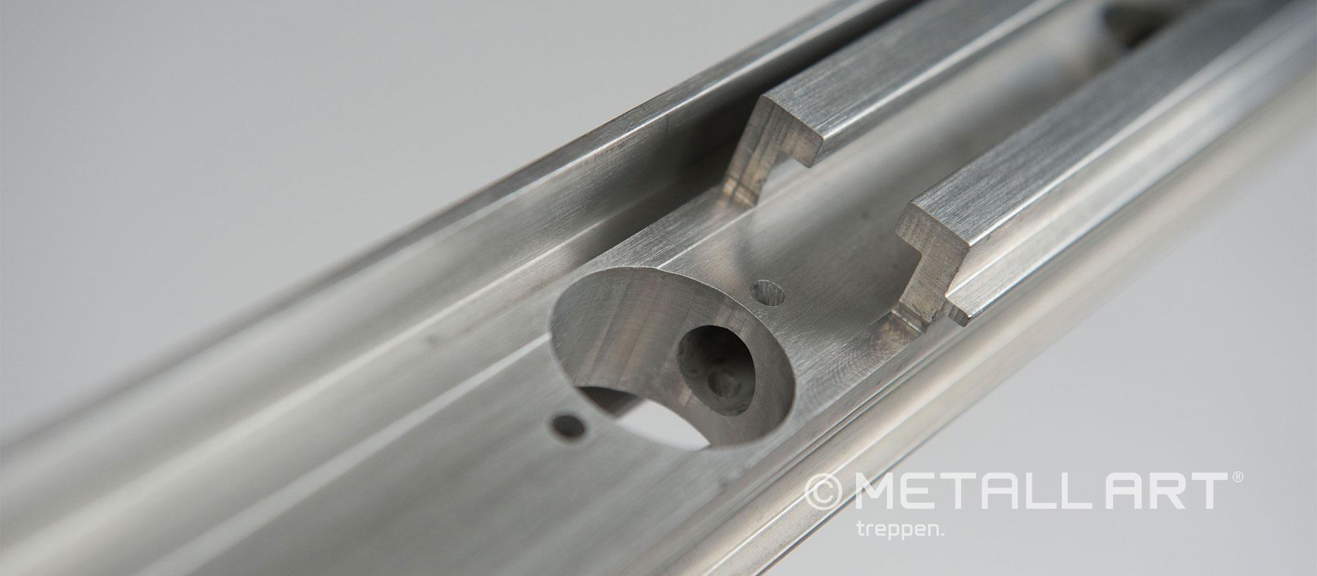 Metalltreppen Profilbearbeitung