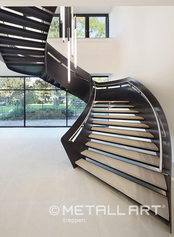 Stahltreppe Skulptur modern