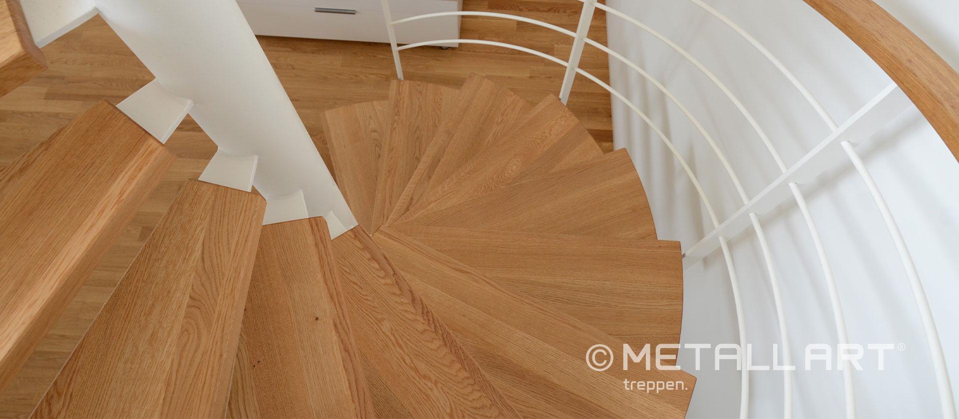 Treppenstufen Holz Spindeltreppe