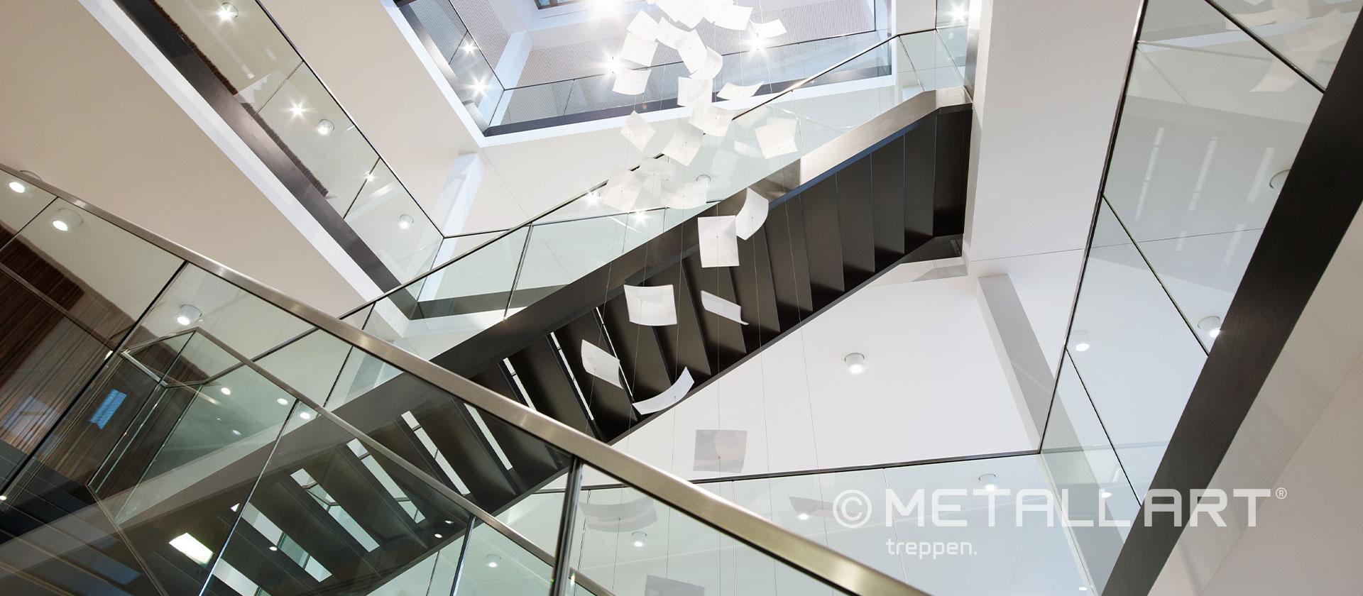 Glasgeländer für Stahltreppe